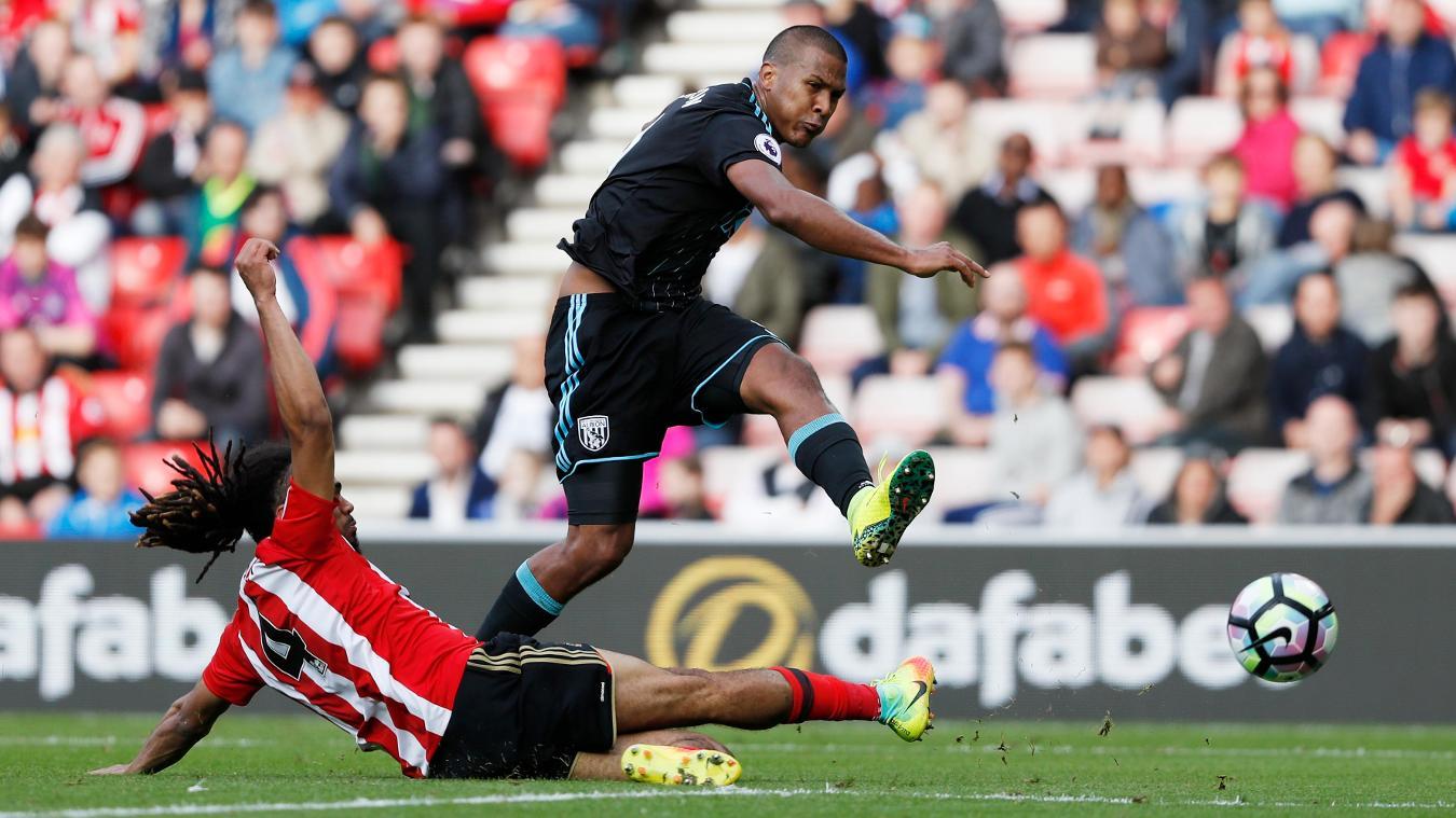 Sunderland v West Bromwich Albion - Premier League, Salomon Rondon shot