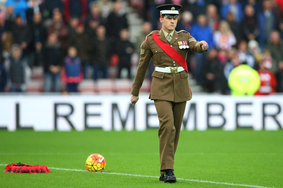 Clubs commemorate Remembrance Sunday