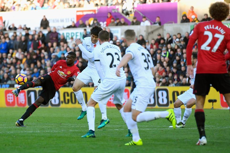 Swansea City v Manchester United - Premier League