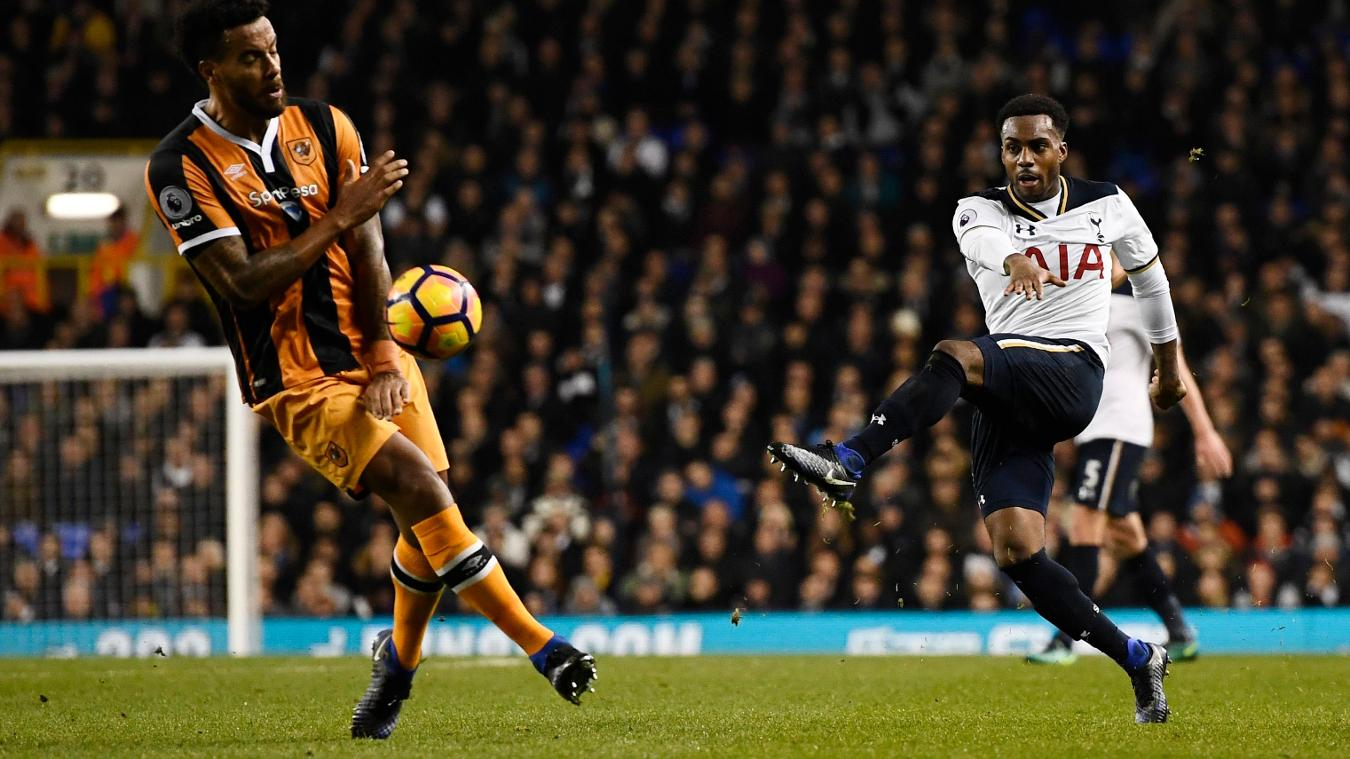 Tottenham Hotspur's Danny Rose has a shot against Hull City