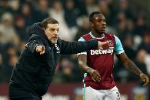 Slaven Bilic and Michail Antonio of West Ham