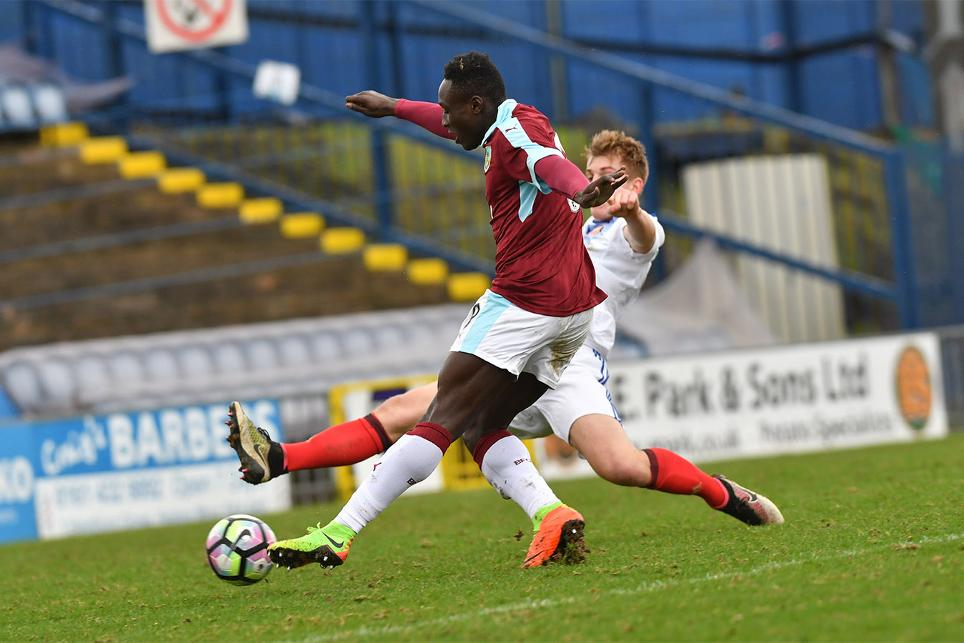 Daniel Agyei scores for Burnley against Sunderland, PL Cup