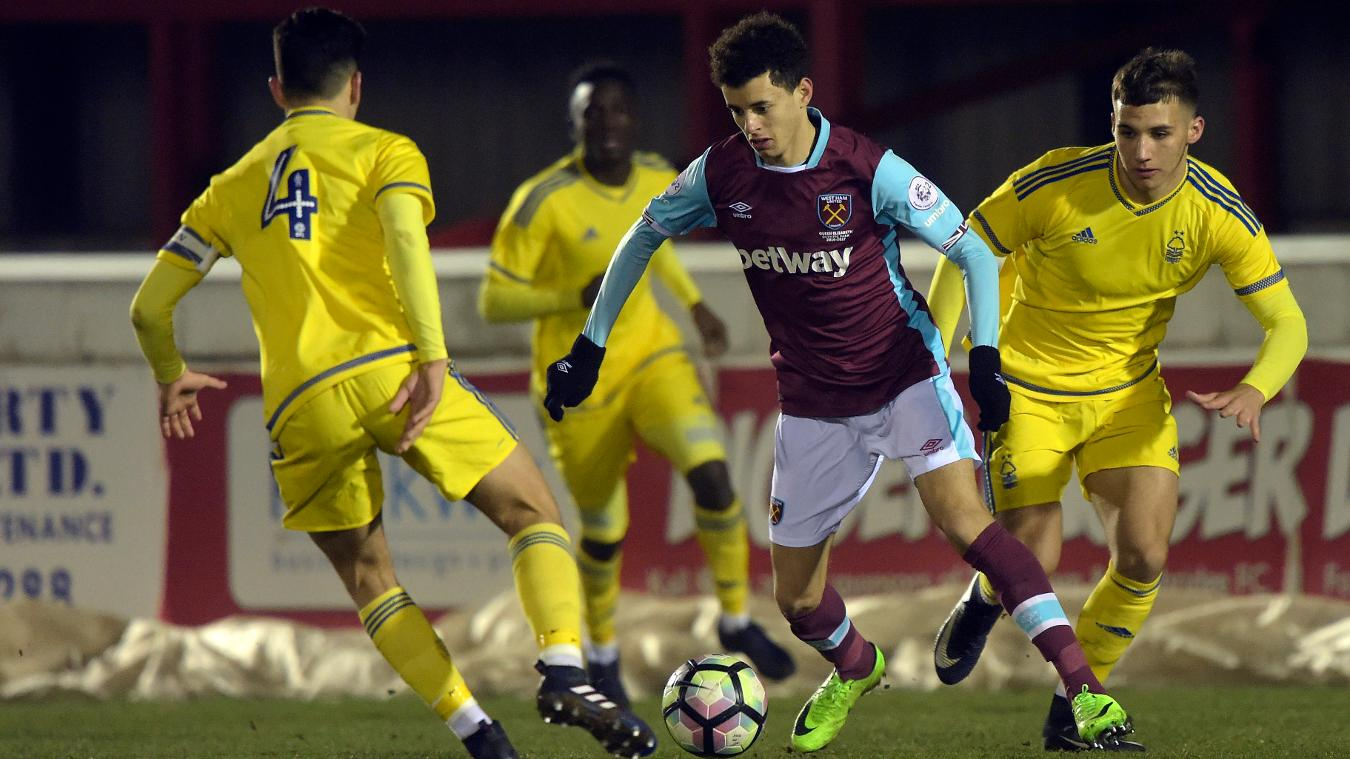 Nathan Holland in action for West Ham