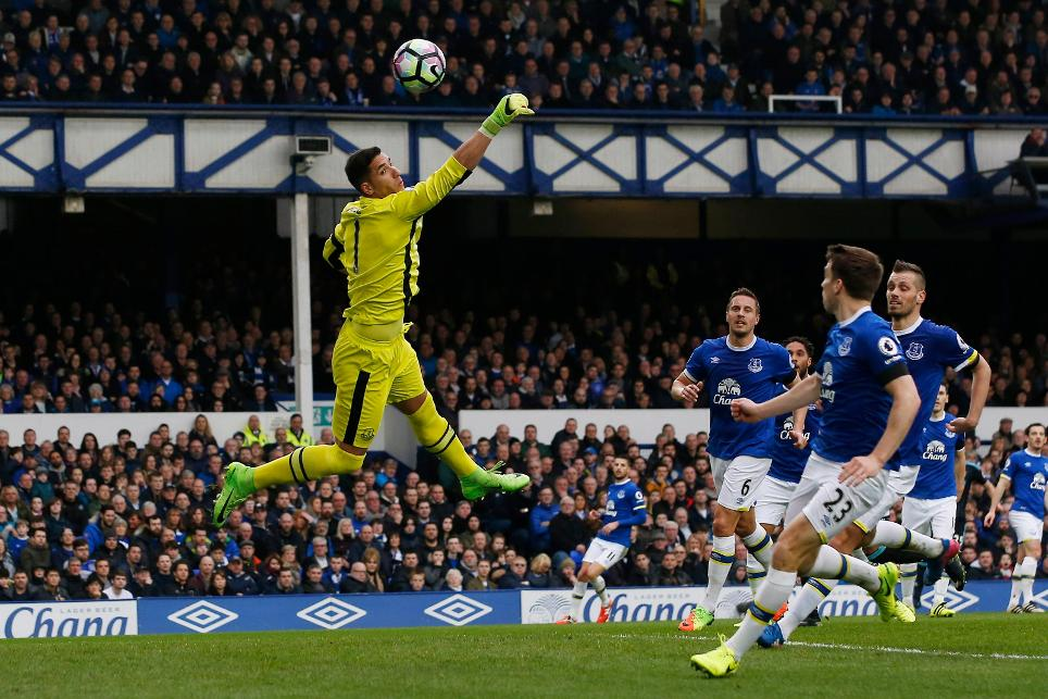 Everton's Joel Robles
