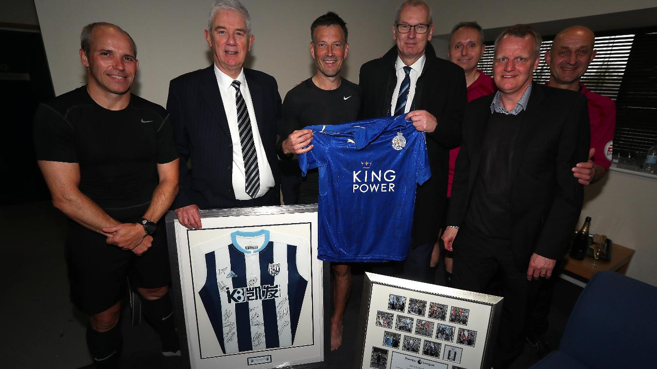 Mark Clattenburg receives plaque after final PL match