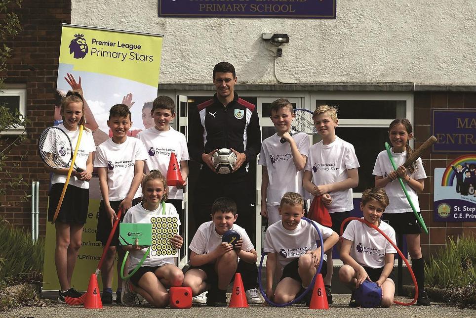 Matt-Lowton, Premier League Primary Stars