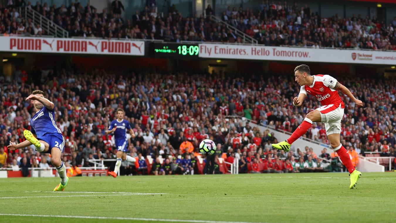 Mesut Ozil makes it 3-0 to Arsenal in the first half