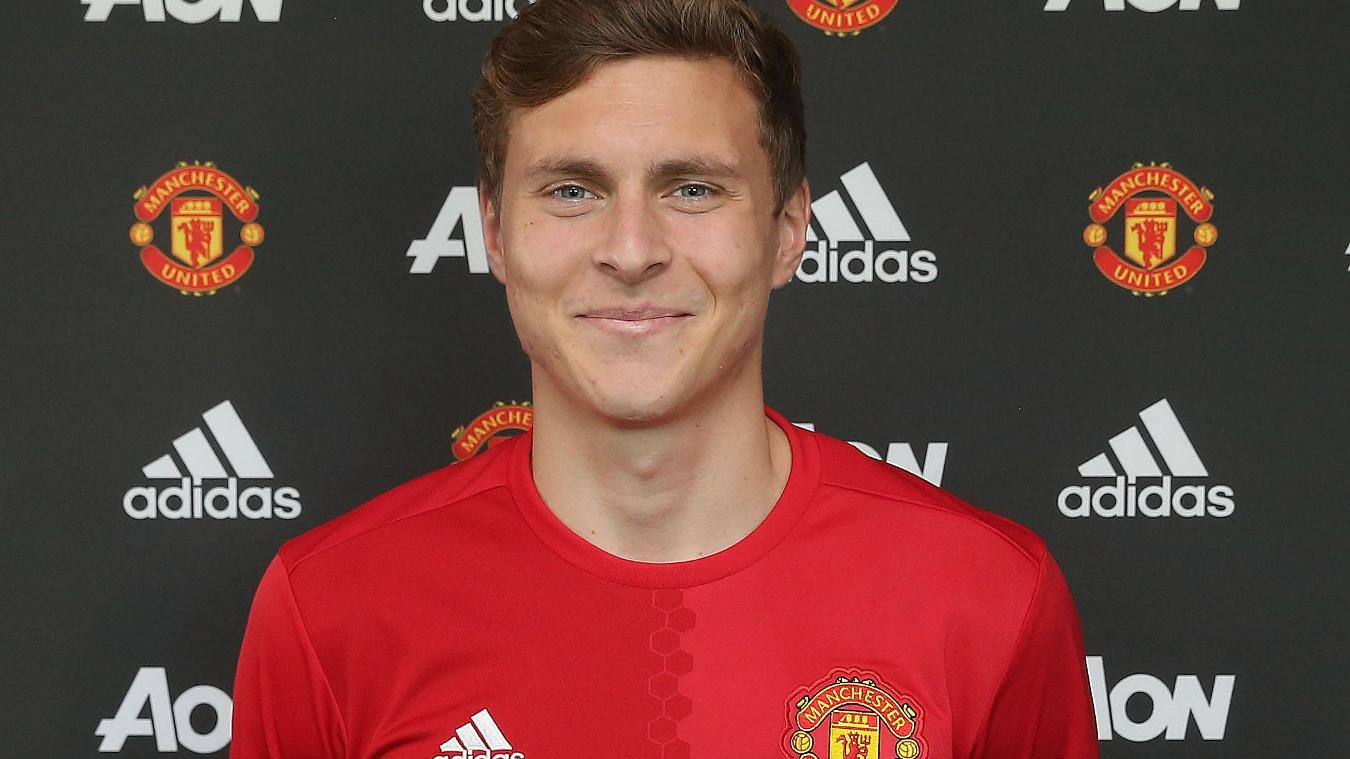 Victor Lindelof joins Manchester United