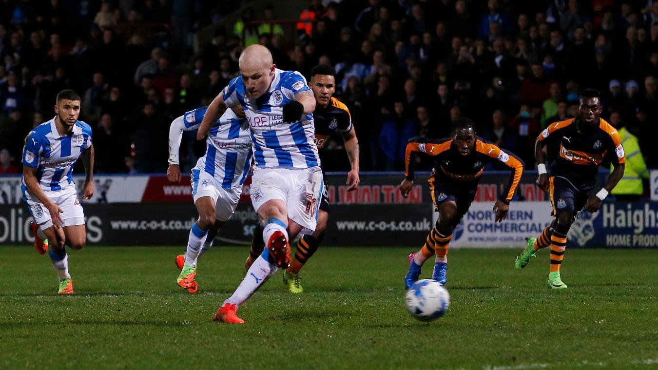 Aaron Mooy, Huddersfield Town