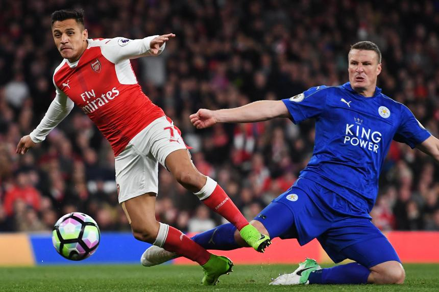 Alexis Sanchez and Robert Huth, Arsenal v Leicester City