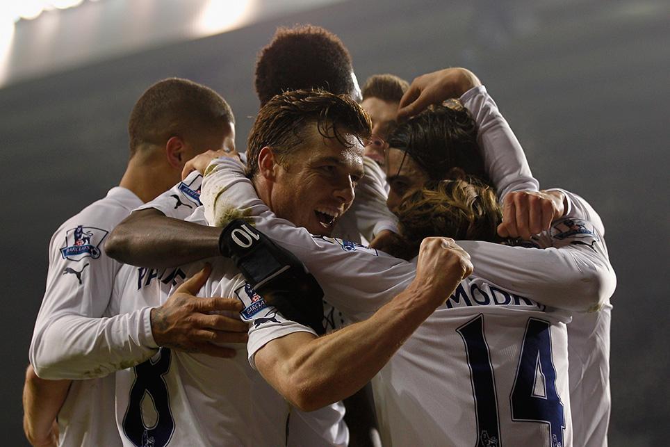 Scott Parker celebrates a Spurs goal