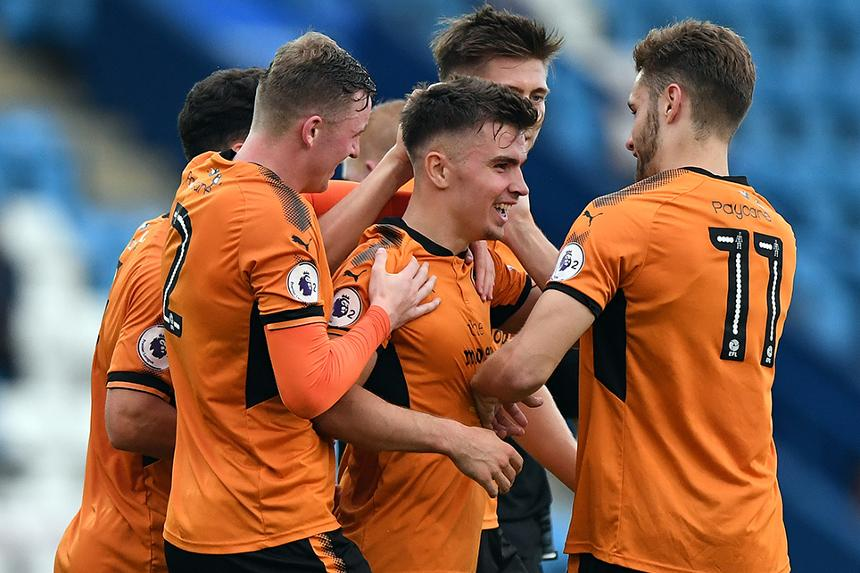 Wolves celebrate scoring against Southampton, PL2
