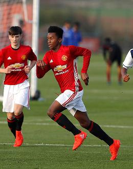 Man Utd v West Brom in an Under-16 match