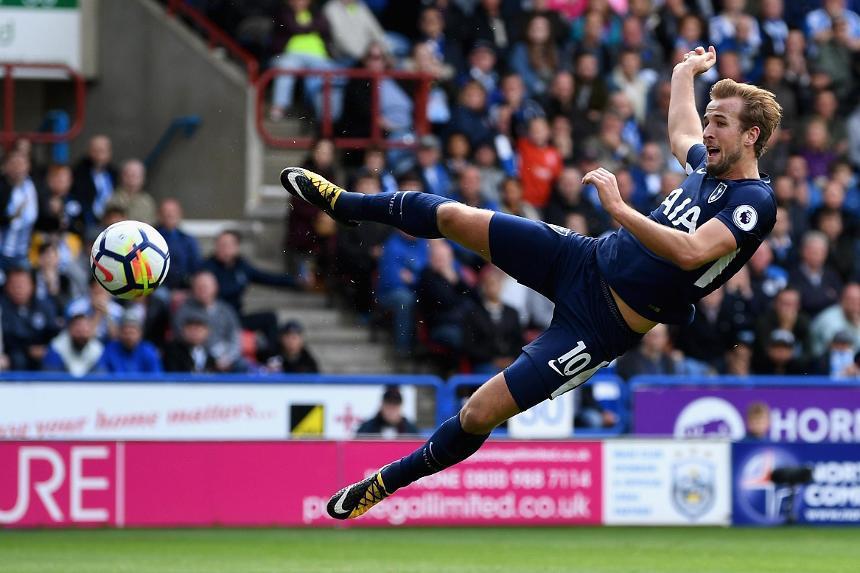 Huddersfield Town v Tottenham Hotspur - Harry Kane