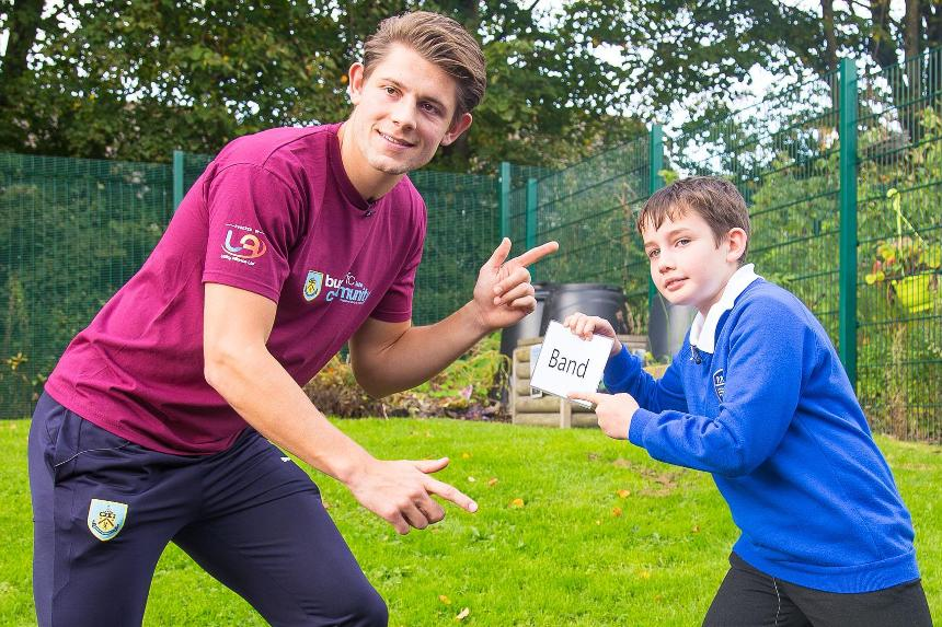 Tarkowski takes on Xavier for PL Writing Stars