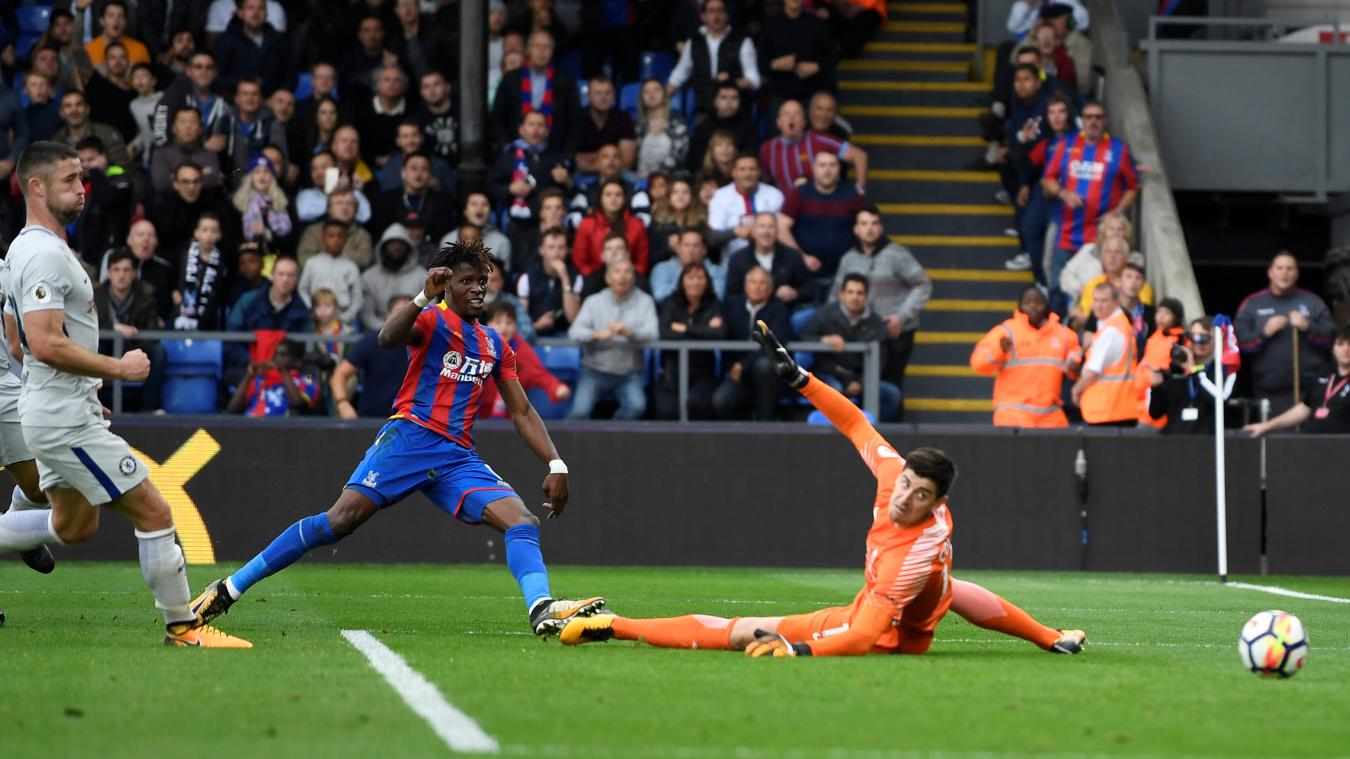 Wilfried Zaha goal versus Chelsea, 2017/18