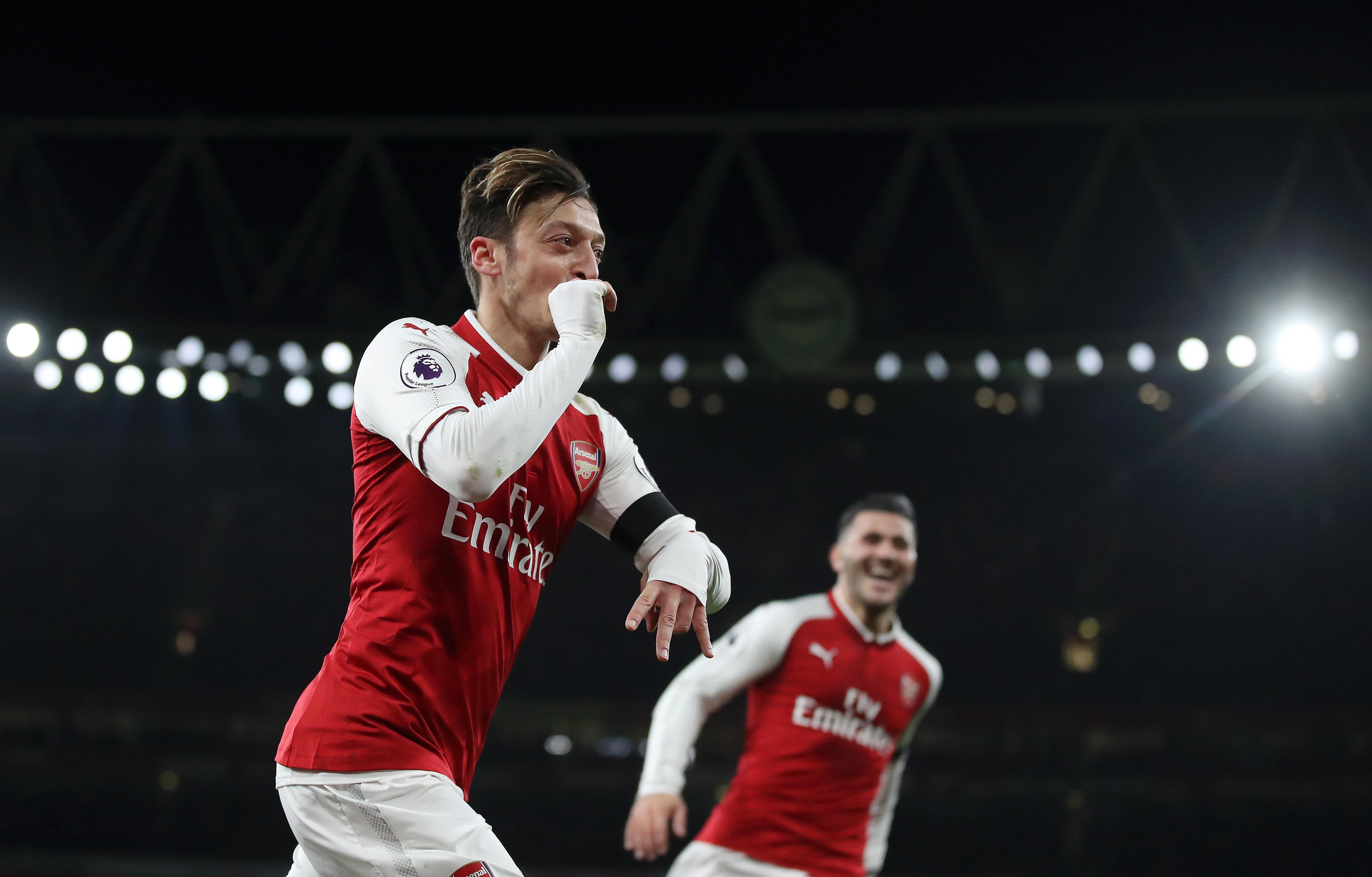 Wolves Vs Man United Wallpaper: Ozil Stars In Five-goal Arsenal Win