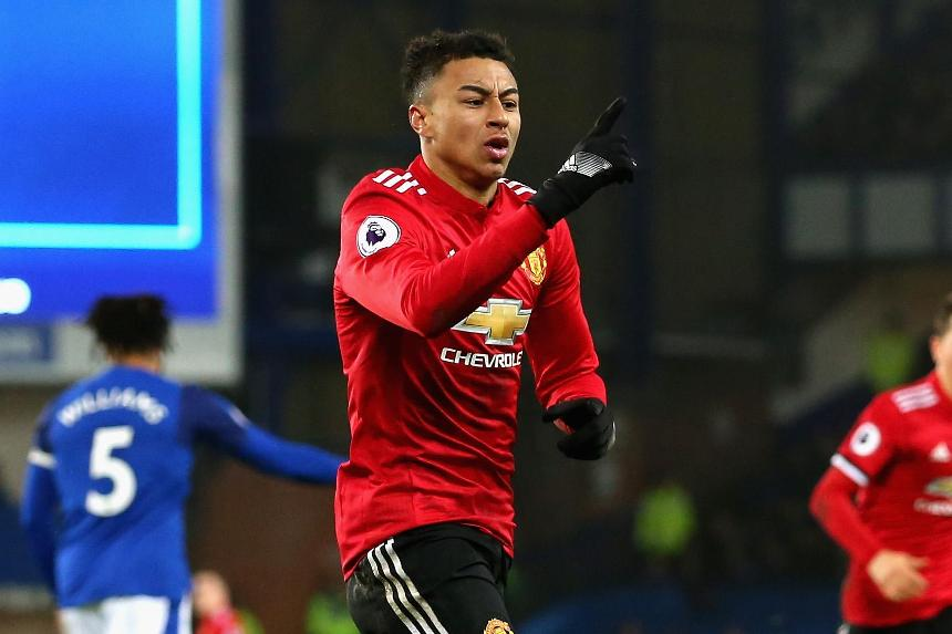 Jesse Lingard scores for Manchester United at Everton