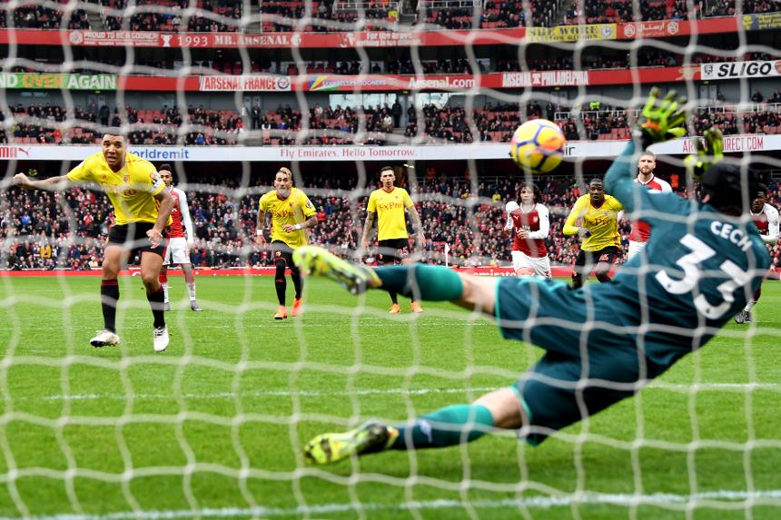 Arsenal v Watford - Petr Cech saves