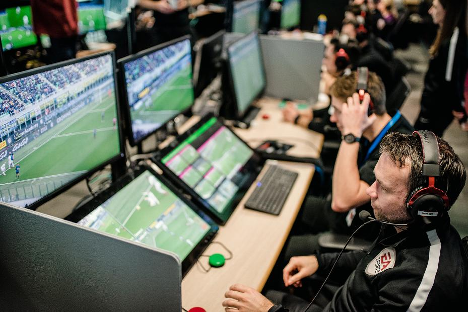Clubs agree to introduce VAR from 2019/20 season