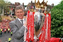 Arsene Wenger and 1997/98 Premier League trophy