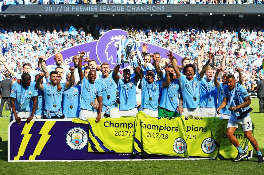 Manchester City lifting the Premier League trophy, 2017/18