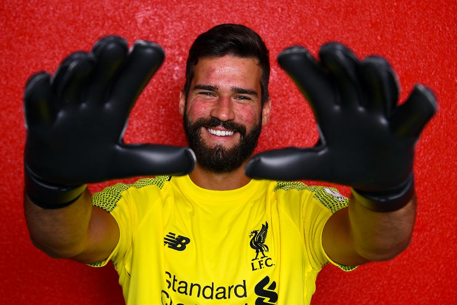 Liverpool Sign Roma Goalkeeper Alisson