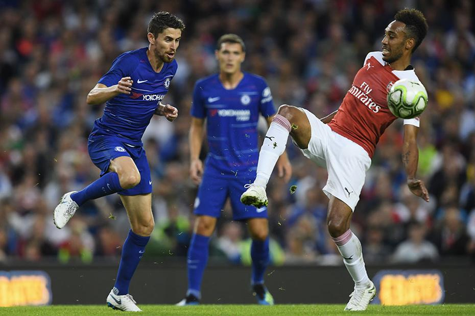 Chelsea's Jorginho against Arsenal's Aubameyang