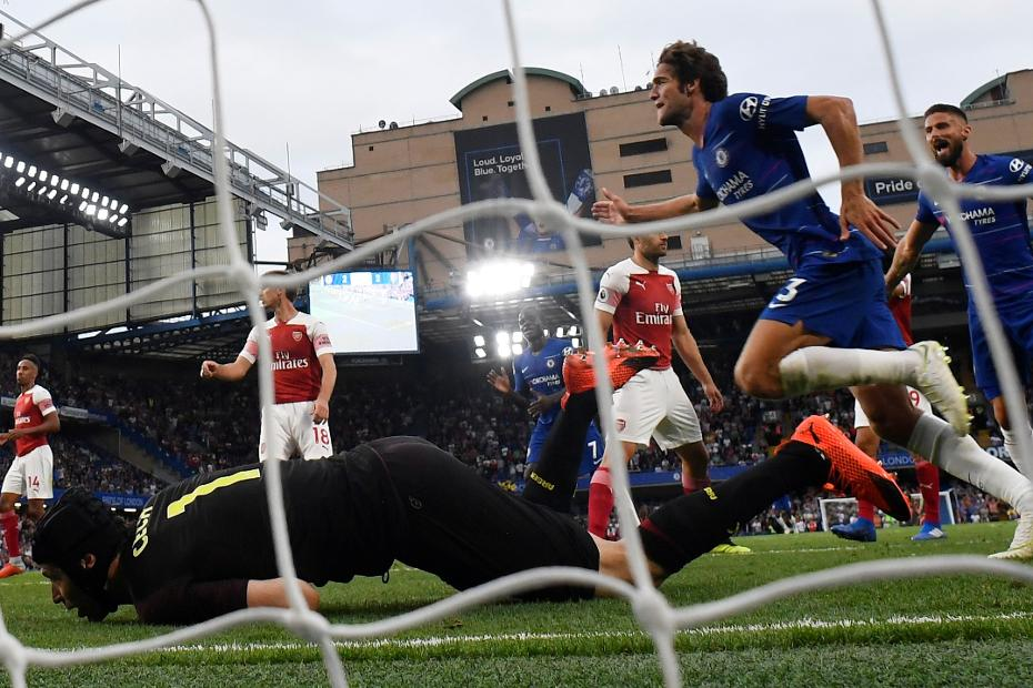 Marcos Alonso scores for Chelsea
