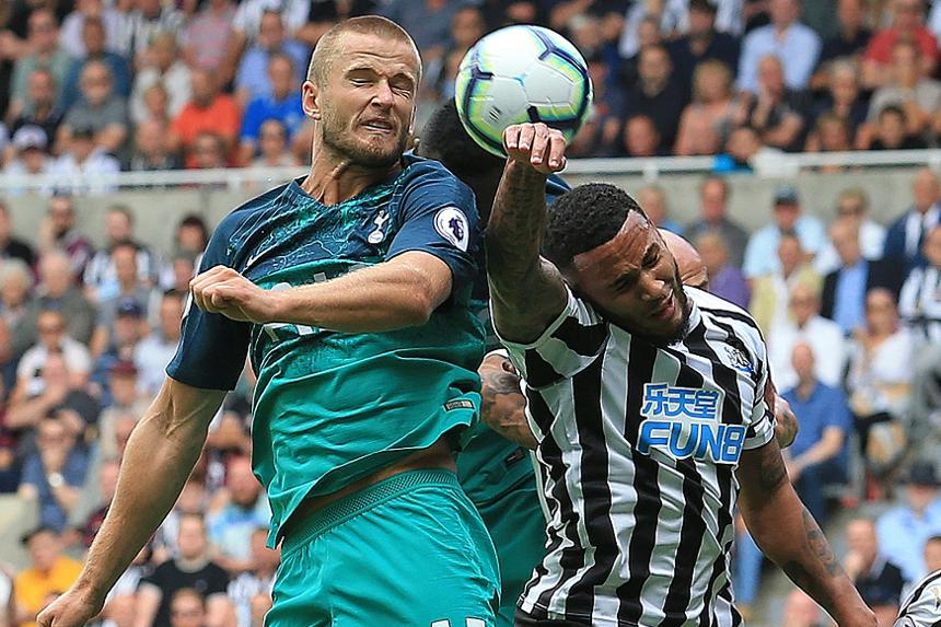 Spurs attack Newcastle United at a corner
