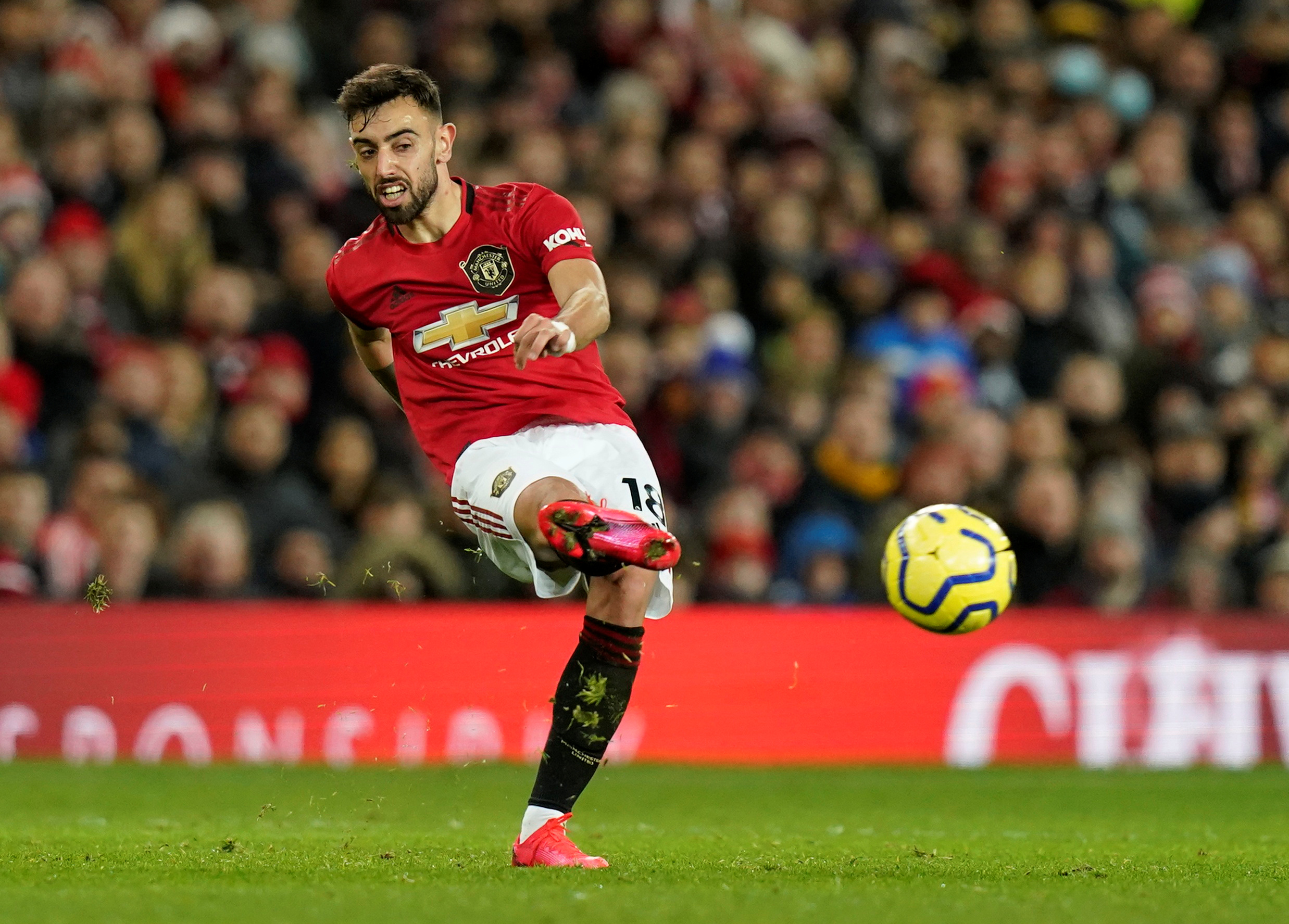 Fernandes can raise Man Utd's tempo at Chelsea